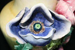 Détail de la fleur après reconstitution et retouche mimétique